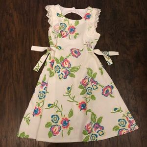 Other - White girls floral dress